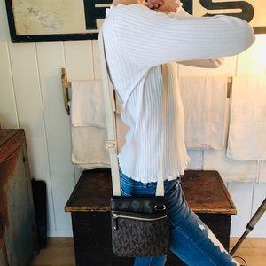 ♥️ Michael Kors ♥️ Leather Logo Crossbody Bag